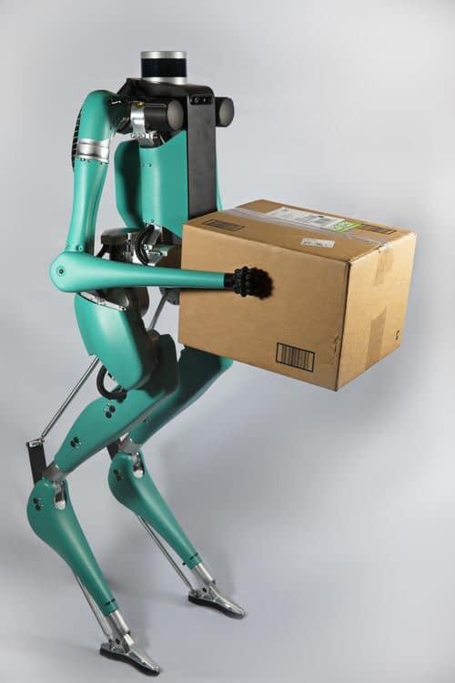 Robot của Ford hợp tác sản xuất